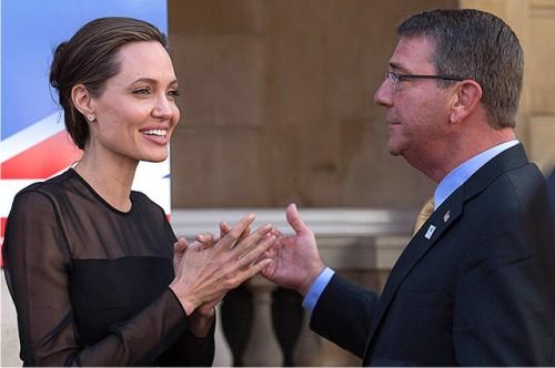 Похорошевшая Анджелина Джоли заговорила осексуальном насилии впредставительстве ООН