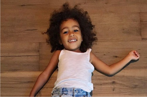 Новое фото дочери Ким Кардашьян иКанье Уэста стало основной темой недели