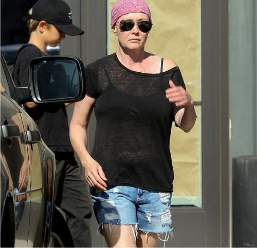 Звезда сериала «Зачарованные» Доэрти отправилась натренировку после очередного курса химиотерапии
