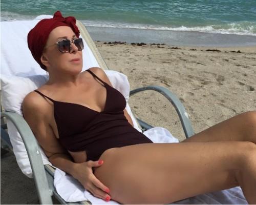 62-летняя Любовь Успенская удивила фанатов снимком вкупальнике