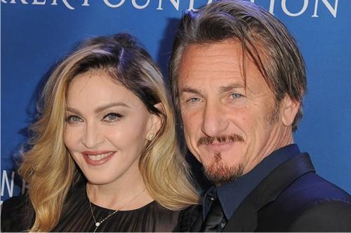 Мадонна с Шоном Пенном и детьми на благотворительном вечере