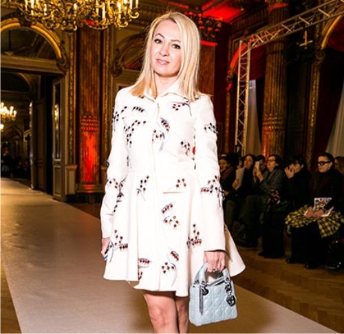 Дочь Джонни Деппа вышла наподиум Chanel в симпатичном одеяние изорганзы